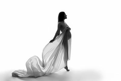 Veronica • Maternity