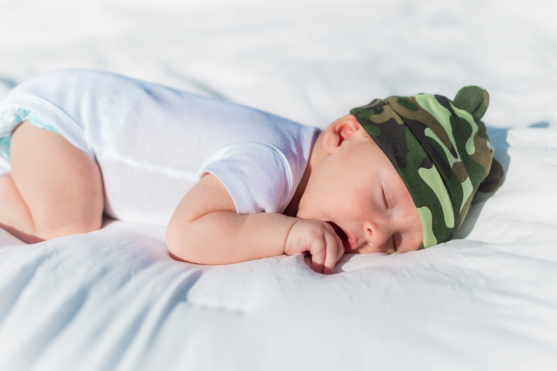 Sunday_Stills-Lennox_Baby_Photos-0061-Edit.jpg