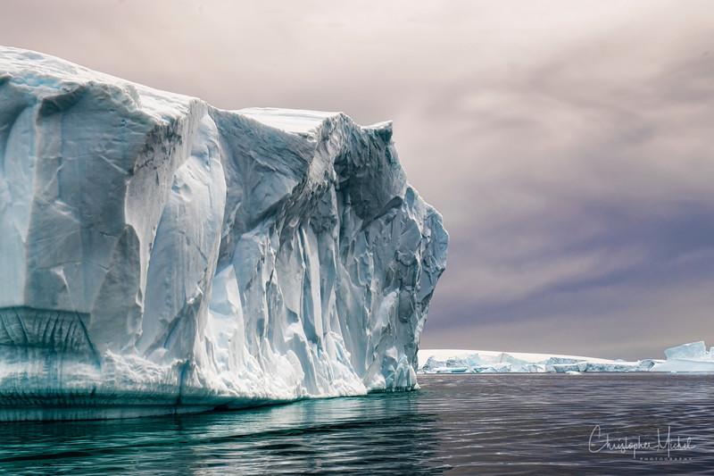icebergs pleneau island_d3x_20130106_8059.jpg