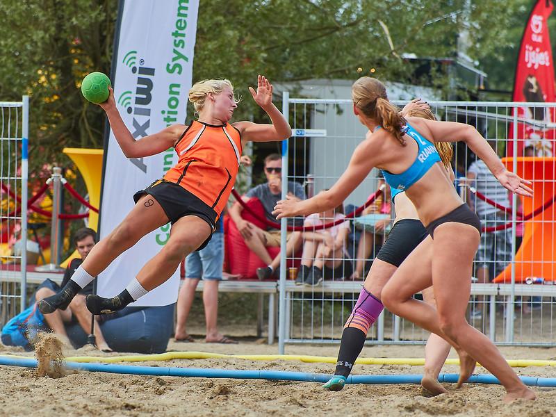 Molecaten NK Beach Handball 2017 dag 1 img 333.jpg
