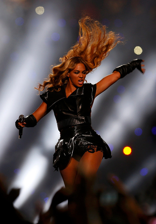 . Beyonce performs during the halftime show of the NFL Super Bowl XLVII football game in New Orleans, Louisiana, February 3, 2013. REUTERS/Jeff Haynes