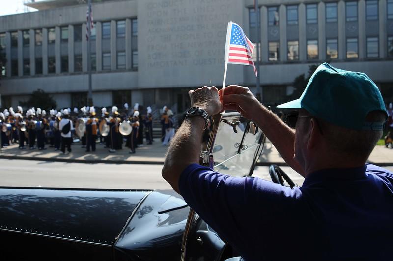 veterans parade2.jpg