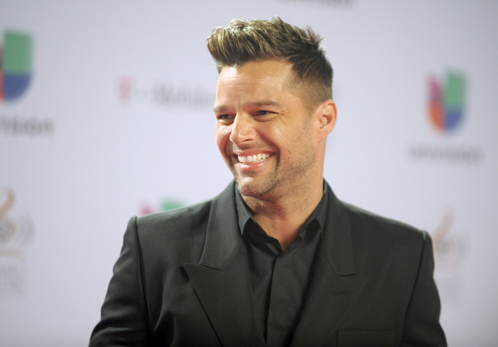 ". Ricky Martin arrives at the 25th Anniversary Of Univision\'s ""Premio Lo Nuestro A La Musica Latina\"" on February 21, 2013 in Miami, Florida.  (Photo by Gustavo Caballero/Getty Images for Univision)"