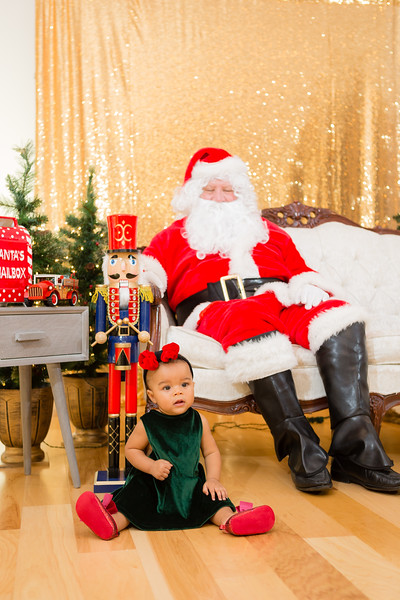 FADS Picture with Santa-182.jpg