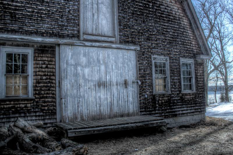 barn_on_lake_front.tif.jpg
