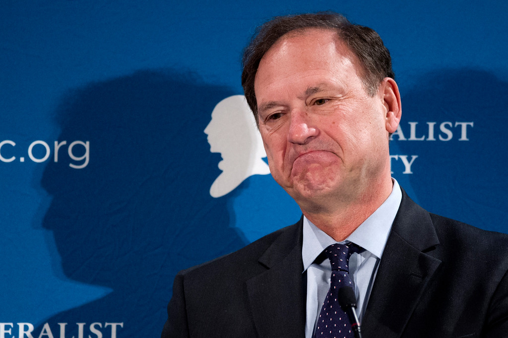 . Supreme Court Justice Samuel Alito speaks at the Federalist Society\'s National Lawyers Convention in Washington, Thursday, Nov. 17, 2016.  (AP Photo/Cliff Owen)