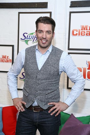 Jonathan Scott & Ashlee Simpson Join Swiffer and Mr. Clean to Celebrate Movers  and the Clean Slate that Comes with a New Home