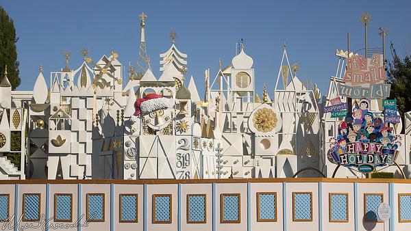 Disneyland Resort, Disneyland, Fantasyland, Small World Holiday, Small World, it's a small world