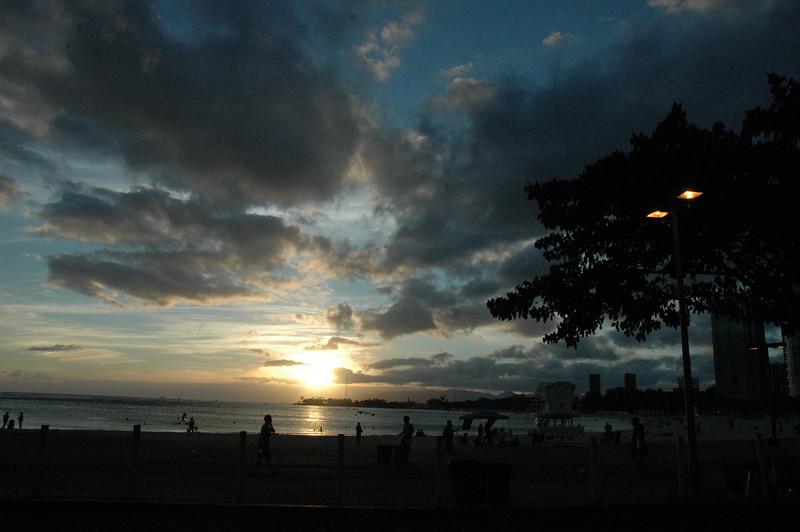 Hawaii - Ala Moana Beach Sunset-8.JPG