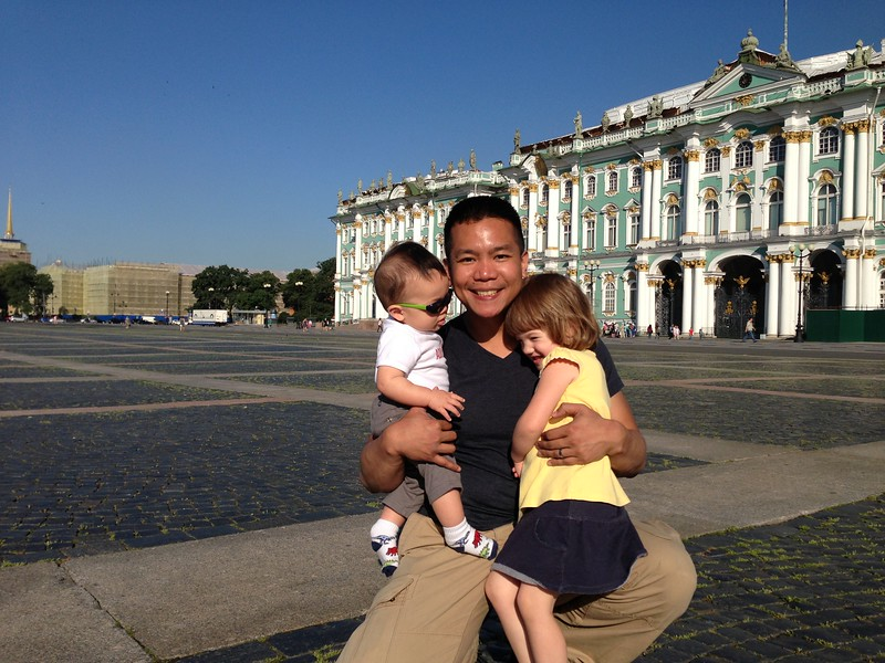 cad4 csw4 lkw3Palace Square w/Hermitage in background, St. Petersburg, Russia