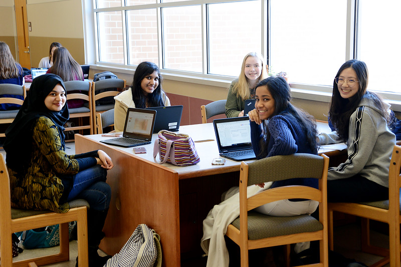 Campus-Visits-November_06.jpg