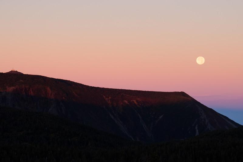 Lever de soleil & coucher de lune sur le mont Logan
