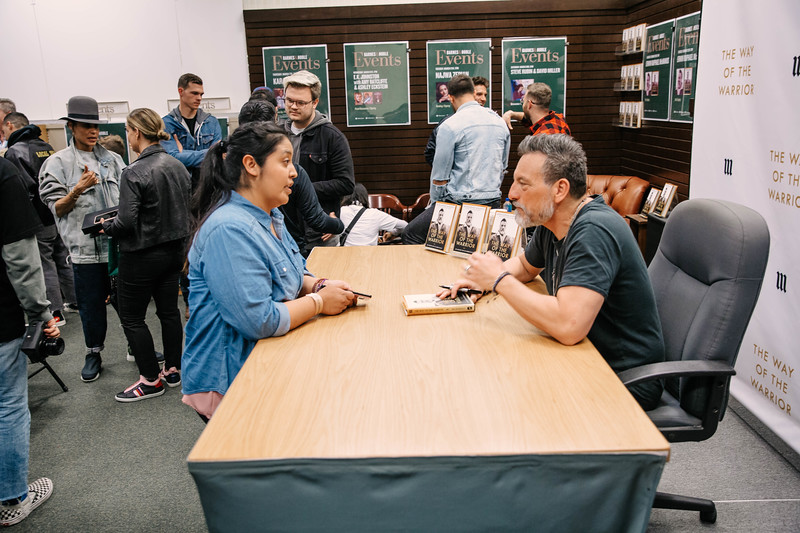 2019_2_28_TWOTW_BookSigning_SP_196.jpg