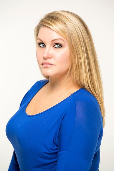 Nicole-8x12_EAC7253.jpg