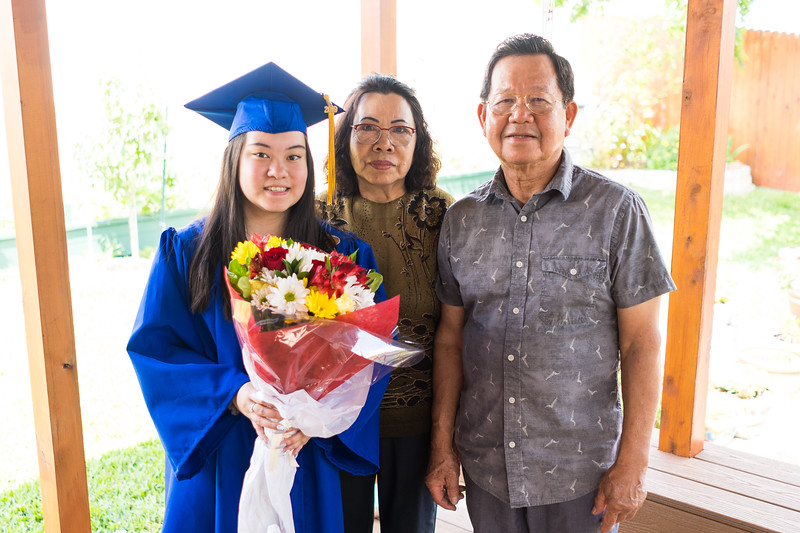 20190602_april-hs-graduation_037.JPG