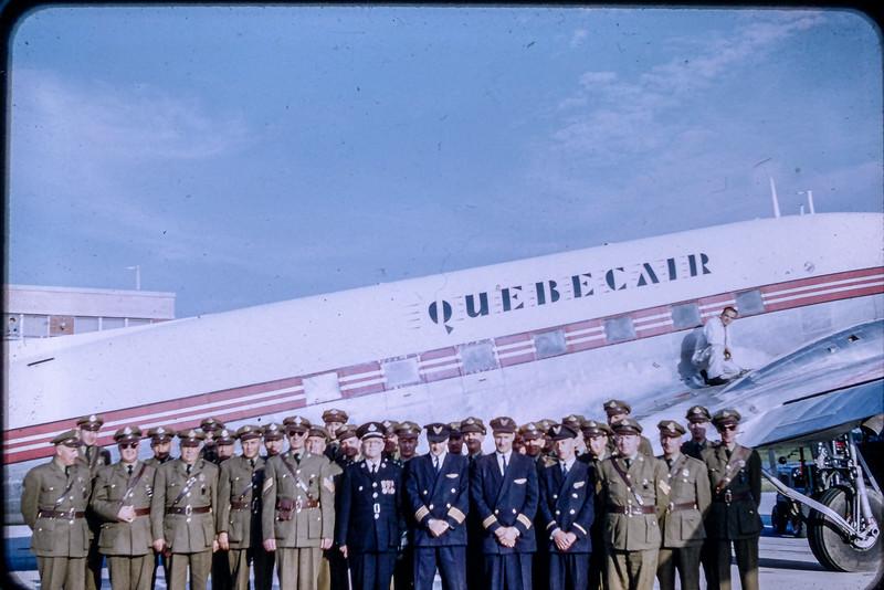 Contingent de la S.Q. lors de la visite de la Reine à Gaspé le 21 juin 1959