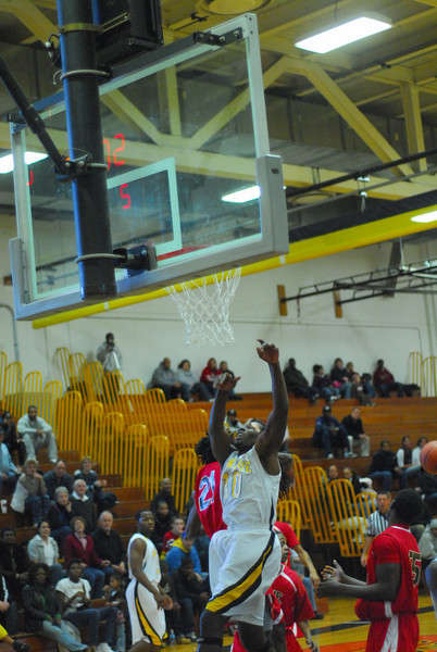 20090301_MCC Basketball_5649.JPG