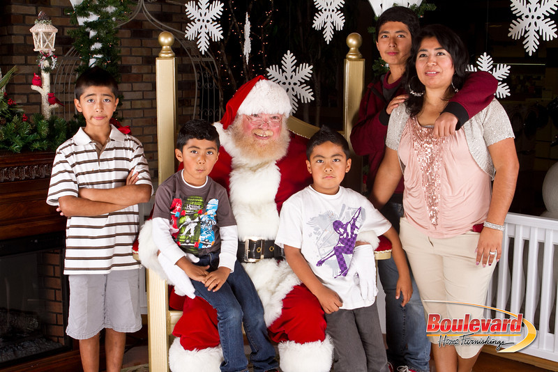 Santa Dec 8-259.jpg