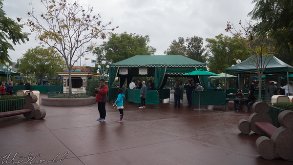 Disneyland Resort, Disneyland, Disney California Adventure, Security, Tent, Bag, Check