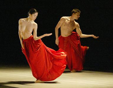 Nederlands Dans Theatre 02
