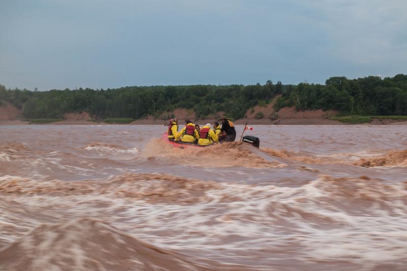 tidal-bore-rafting-nova-scotia-10.jpg