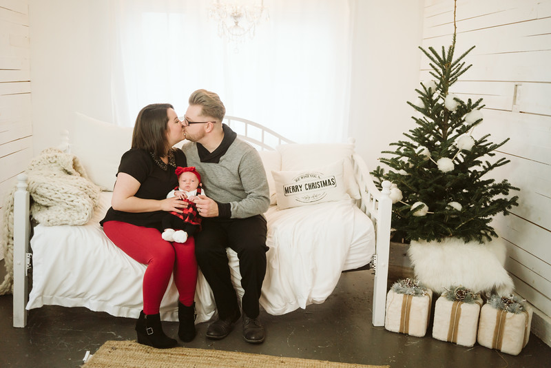 Schmidt Christmas Mini Session 2018-6.jpg