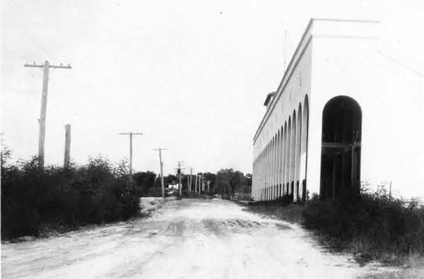 1928-Adams Street - Gator Bowl.jpg