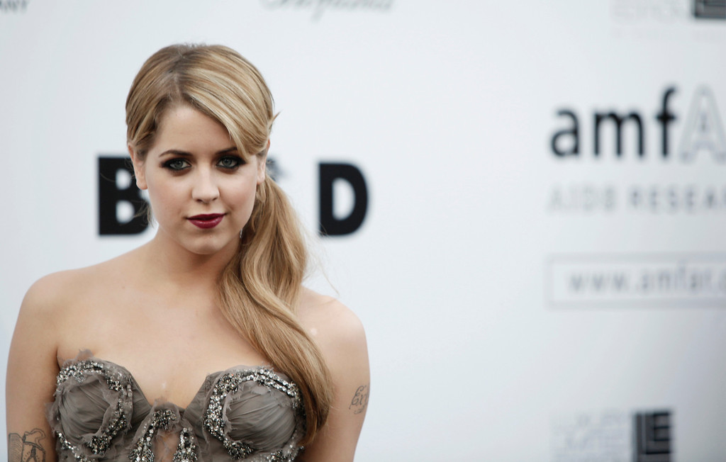 . In this Thursday, May 21, 2009, file photo, British socialite Peaches Geldof arrives for the amfAR Cinema Against AIDS benefit at the Hotel du Cap-Eden-Roc, during the 62nd Cannes International film festival, in Antibes, southern France. (AP Photo/Matt Sayles, File)