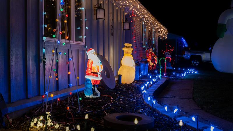 logan-elm-village-christmas-lights-120.jpg