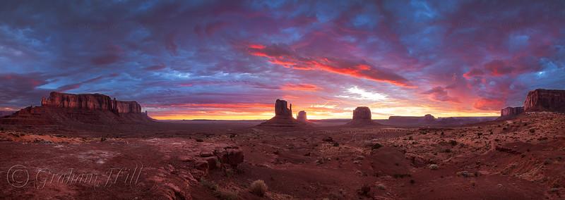 SW 2014 Monument Valley Sunrise.jpg