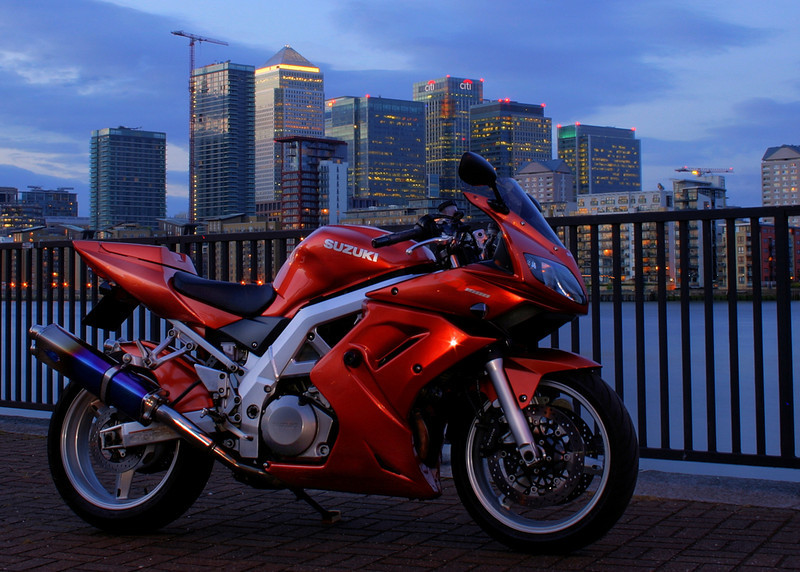 Suzuki SV1000S at Canary Wharf by 'JasonQ' www.SV-Portal.com