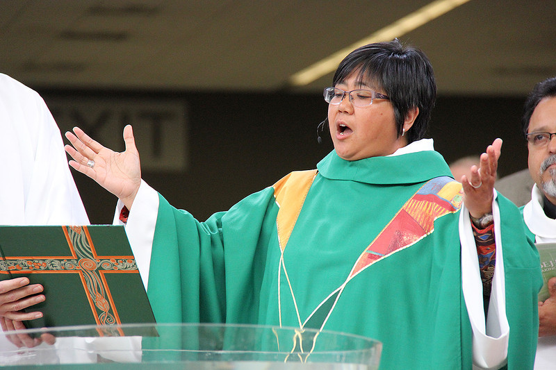 The Rev. Teresita Valeriano serves as presiding minister during Friday's worship.