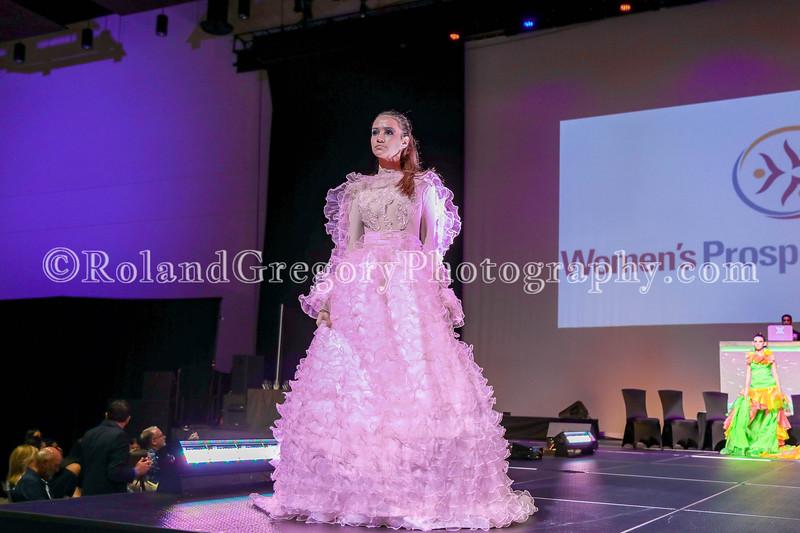 100 Womens Fashion show2019-3438.jpg