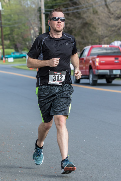2018 Love Runs Bedford 5K 32.jpg
