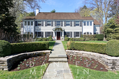 25 Griswold Rd