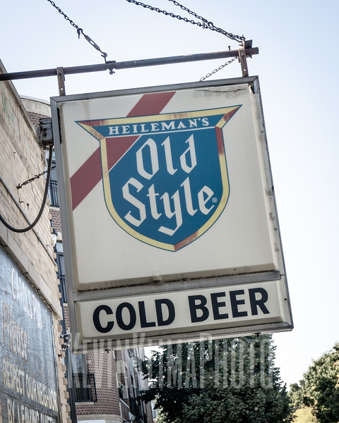Old Style Beer Sign @ Carol's Pub