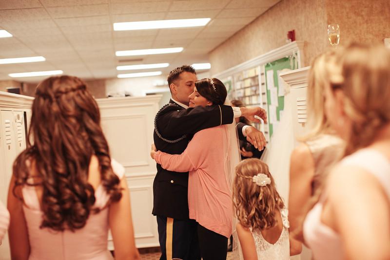 Matt & Erin Married _ getting ready  (18).jpg