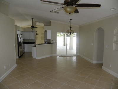 407 SW 37th Ln, Cape Coral, FL $229,900