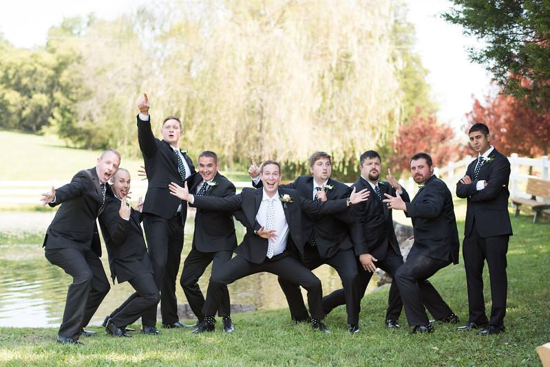 funny-groomsmen (13 of 23).jpg