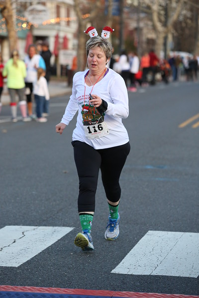 Toms River Police Jingle Bell Race 2015 - 01235.JPG