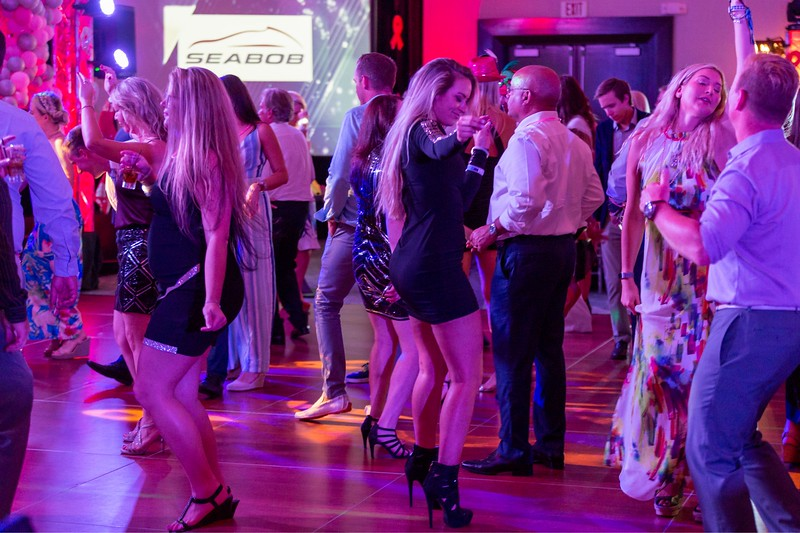 2019_11_Yachtail_Party_01542.jpg