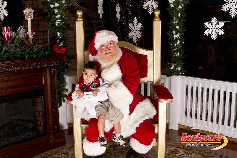 Santa Dec 15-232.jpg