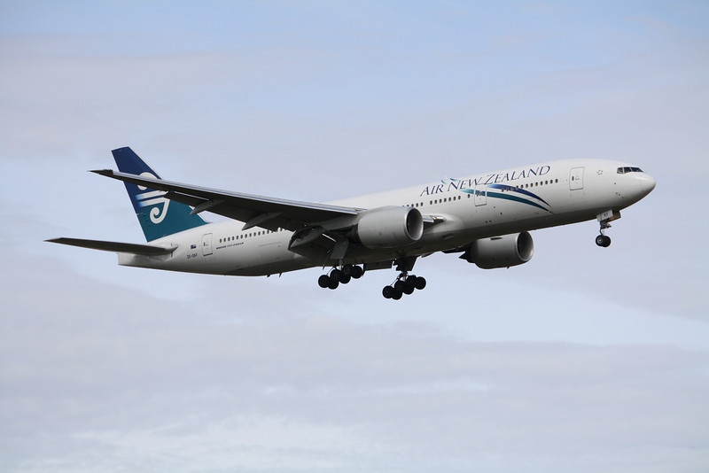 Air New Zealand Boeing 777-200 ZK-OKF