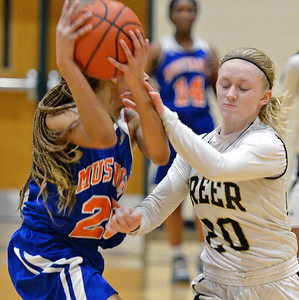 Greer And Midland Valley On The Hardwood