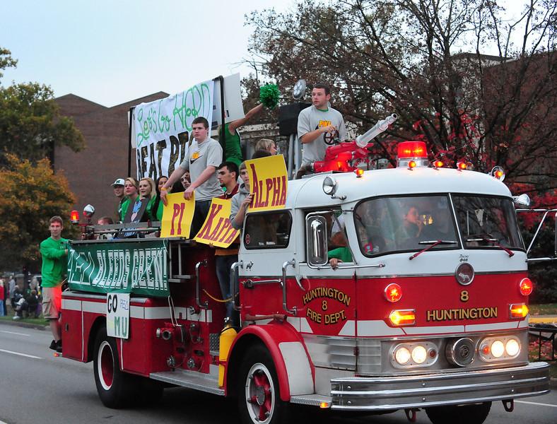 parade0103.jpg