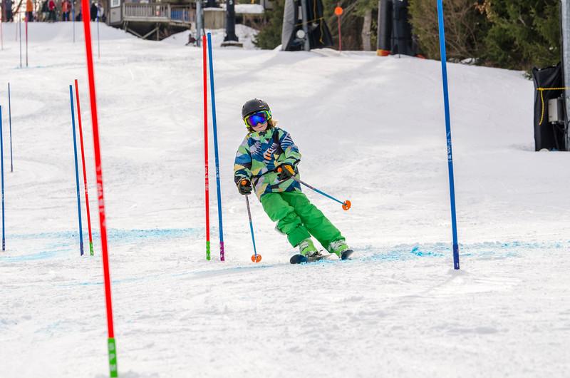 Standard-Races_2-7-15_Snow-Trails-255.jpg