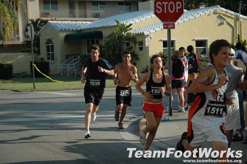South Miami Hospital Twilight 5k, June 8th, 2008 Gallery #3 Photos by Susan Tillett