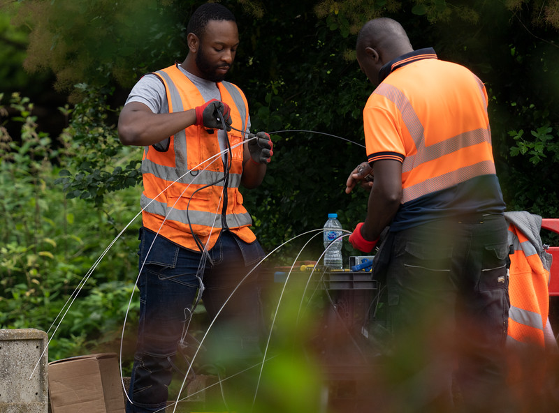 Jointing team works to join underground cables (9 Jul 2021)