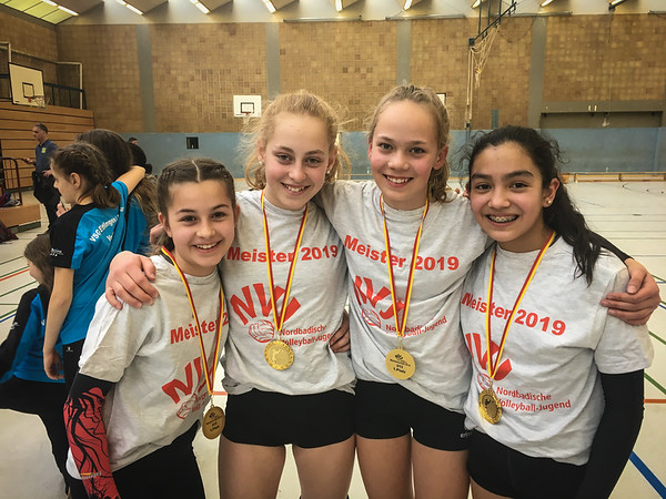 Meistermannschaft 2018/19: Sofia, Lotta, Julia und Aluna