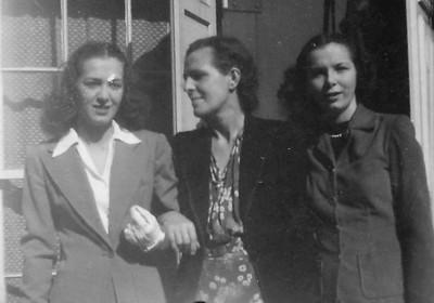 Joan Ferles, Charlotte Seifert Ferles, and Anna Ferles.